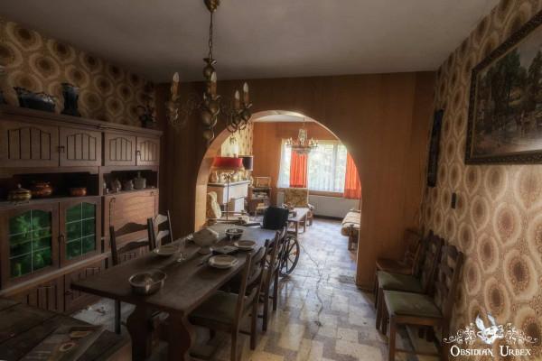 Maison Radio Dining Room
