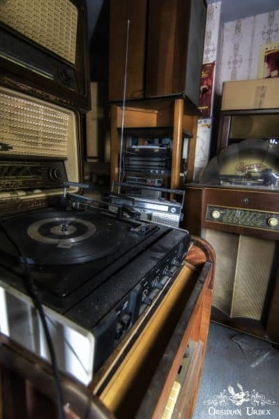 Maison Radio Record Player And Juke Box