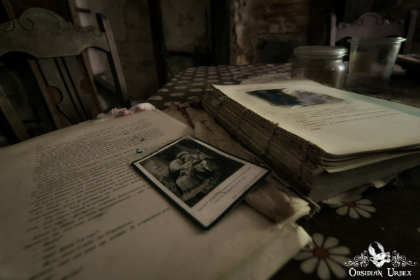Maison Popeye Book and Photo