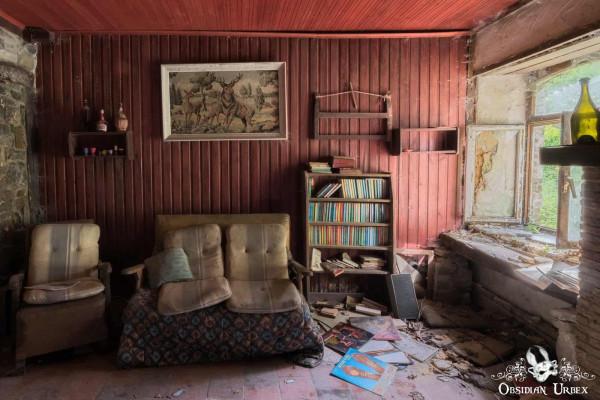 Maison Popeye Lounge Living Room