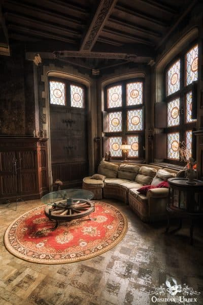 Town Mansion Belgium Living Room Sofa and Table