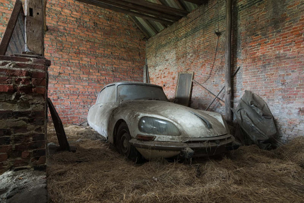 Oldtimer Barn Old Iron 5 Belgium Featured Image