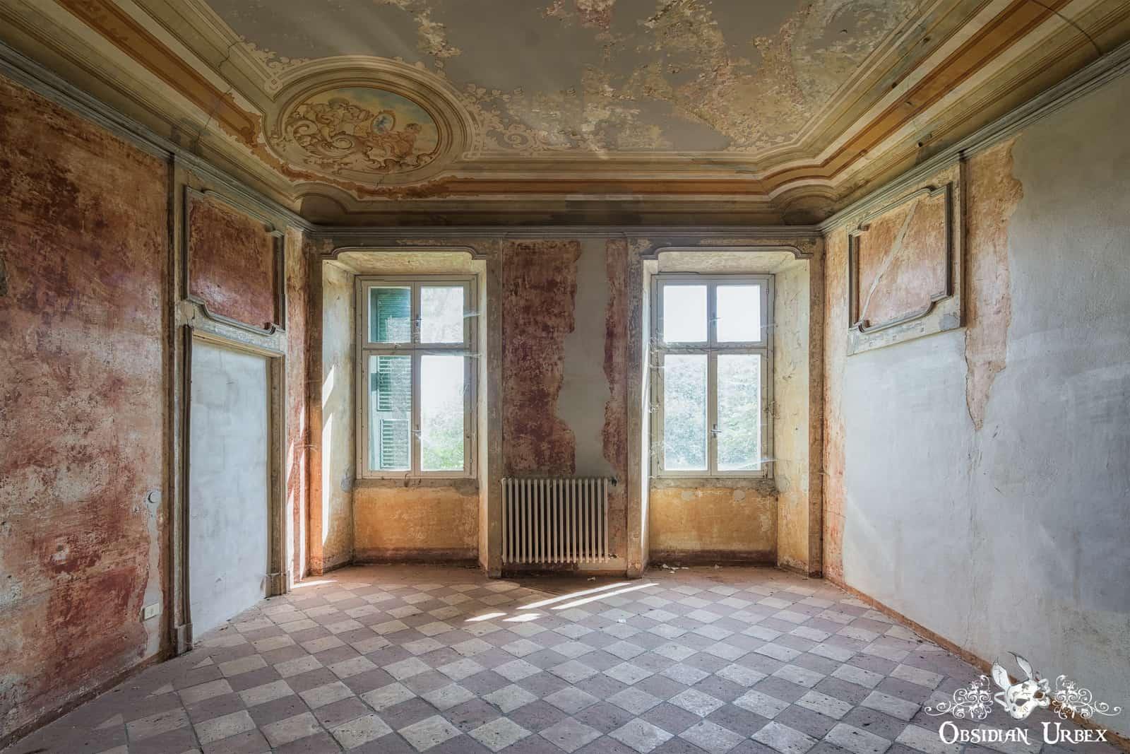 Villa Mint Palazzo Mint Italy Obsidian Urbex