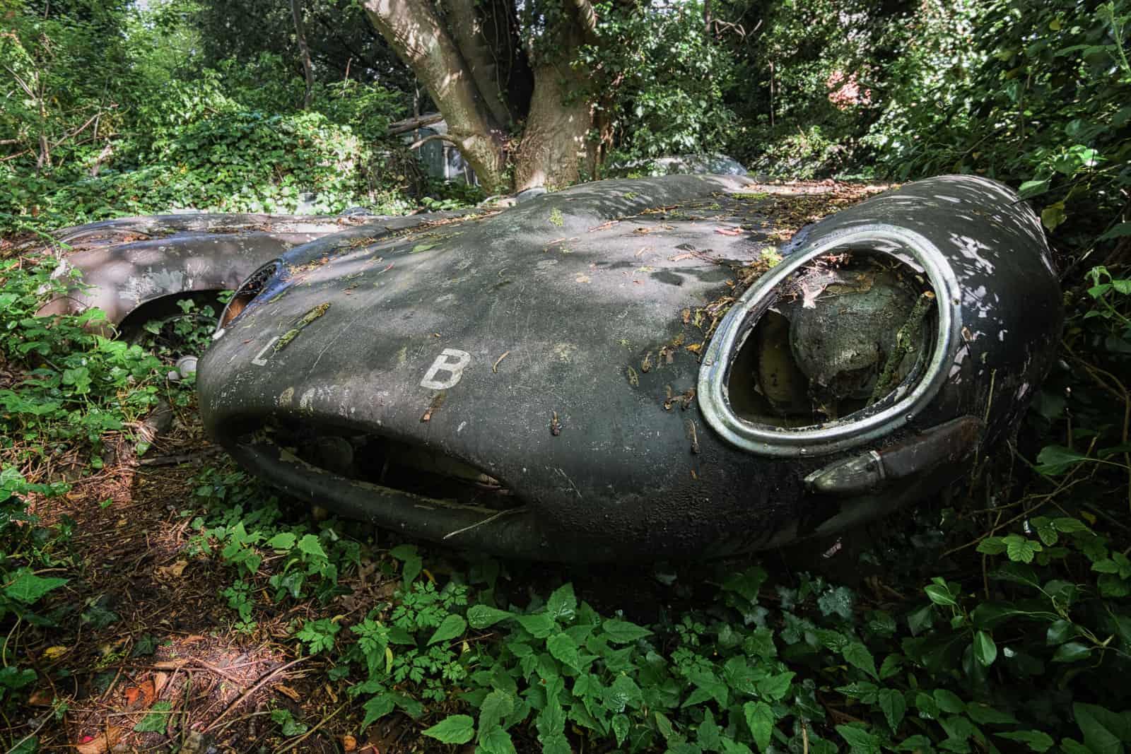 Classic Jaguars, England - Obsidian Urbex Photography | Urban Exploration