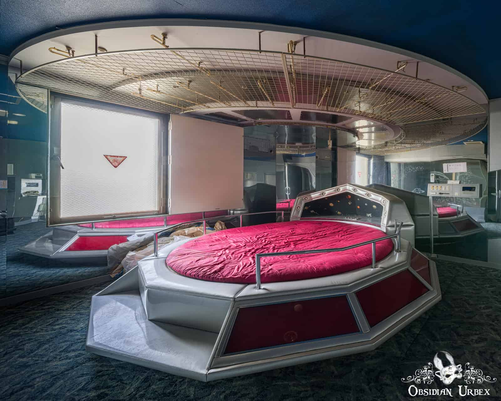 Spaceship Love Hotel Japan Obsidian Urbex Photography